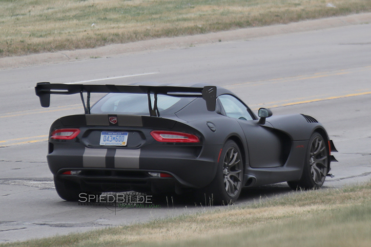 spy shots another special edition viper acr. Black Bedroom Furniture Sets. Home Design Ideas