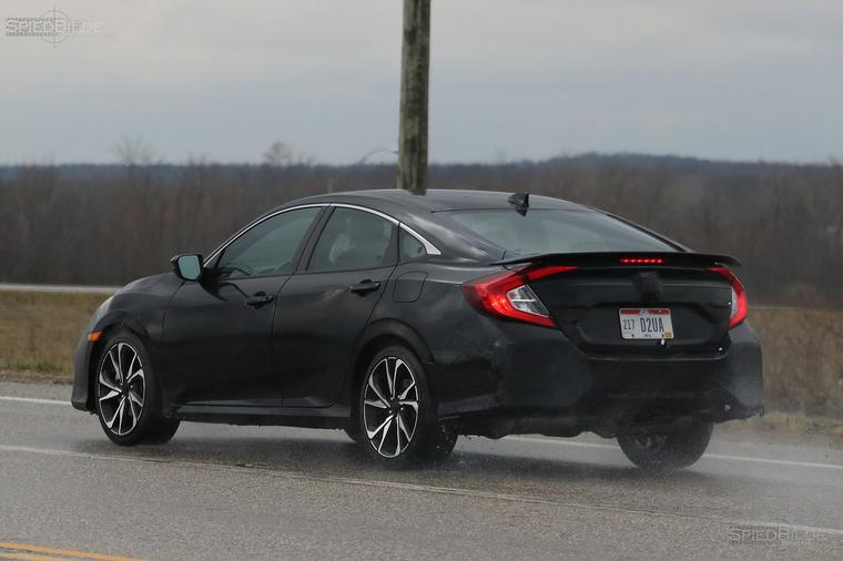 Spy Shots—2018 Honda Civic Si Sedan Breaks Cover
