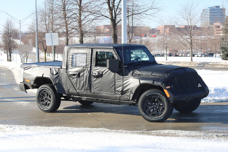 Spy Shots 19 Jeep Scrambler Pickup